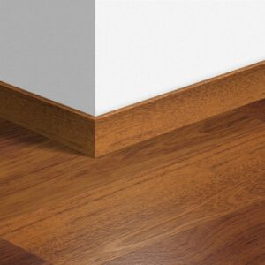 laminate flooring under skirting